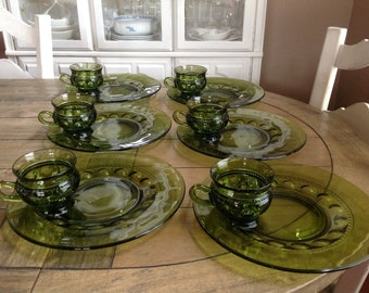 Vintage Green Indiana Glass King Crown Thumbprint Luncheon Plate Cup Set 12 pieces