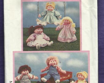 Vintage 1985 Simplicity 6823 Soft Sculptured Doll Dresses & Play Clothes Size 16 - 18  inch Doll