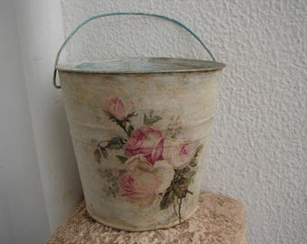 French painted,distressed tin bucket or planter,round with faded, shabby pink roses decoupage & carrying handle