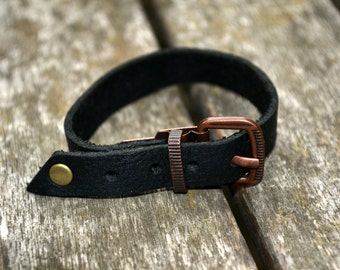Leather bracelet with a buckle - Handmade
