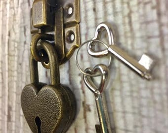 Latch and Heart Lock with Keys - Antique Brass