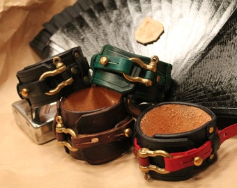 Steampunk leather cuff 'The Lord Loverduc'