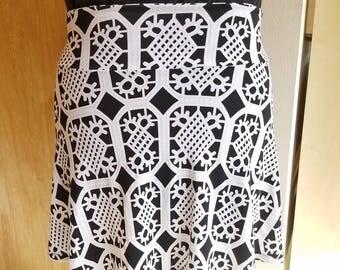 Women's 2XL snowflake/owl skirt
