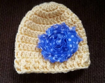 Newborn crochet yellow stocking hat with removable hair clip