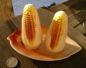 Vintage Ears of Corn Salt and Pepper Shakers - Corny Seasoning Dispensers with Husky Tray - Kitschy Corncob Delight