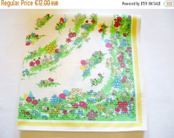 SPRING SALE - Lovely German Vintage Easter Spring Printed Tablecloth with Eggs and Flowers made in the DDR/Tablelinen topper