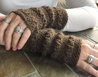 Wrist Warmers/Fingerless Gloves/Chocolate