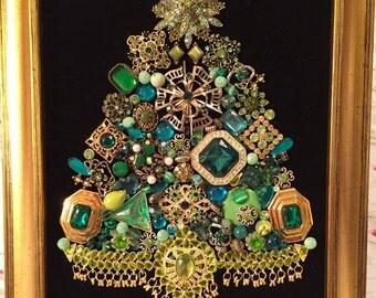 Vintage Jewelry Framed Christmas Tree ~ EVERGREEN CHRISTMAS ~ Green & Gold Christmas Tree ~ Black Velvet ~ Christmas Keepsake