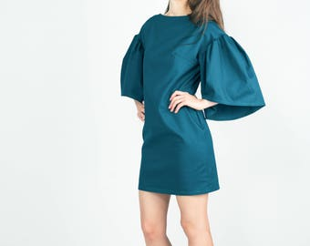 Akea dress with oversize sleeves