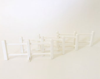 Vintage Fisher Price Farm Fence, #915 Play Family Little People Barn, FPLP, Barn Plastic White Fencing Pieces, Set of Four