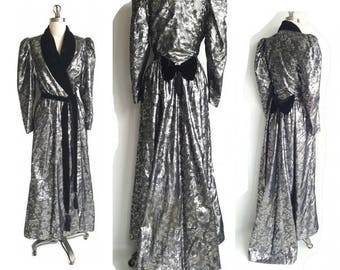 Vintage 70s Silver Lame Hollywood Glam Gown Robe with Train • Long Metallic & Velvet Starlet Robe Coat • Made in USA • Size S