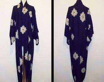 Vintage kimono - Dark bluish purple, Decorative motif