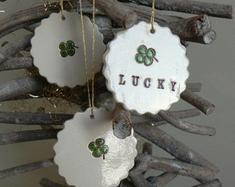 4 Leaves Clover Ceramic Ornaments Lucky wedding Gift, Babi Shower Gift, Shamrock Home Decoration White and Green Gift Set of 3