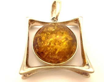Amber Baltic Pendant Genuine 7.45 Gr Light Honey Color Solid 925 Silver (AA190)