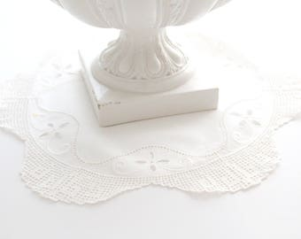 Vintage, Round White Doilie, Cottage Decor, Little Princess Room Decor