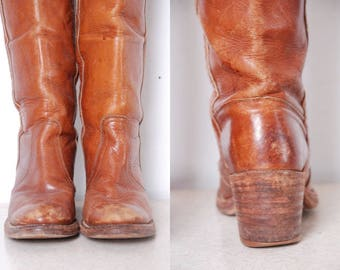 80s boho 6.5 B Fry boots tall knee high brown leather distressed cowgirl stacked heel work boots round toe womens vintage designer shoes