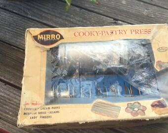 Vintage Mirro Cooky, Pastry Press