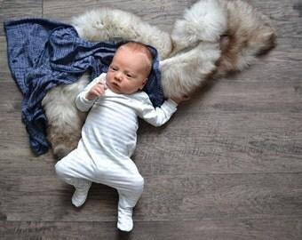 Boy baby blanket. Navy print.  Stretchy swaddler style, swaddle wrap. Handmade in MN. Lippybrand