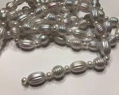 9 foot irredecent white large bead garland, (HR74)