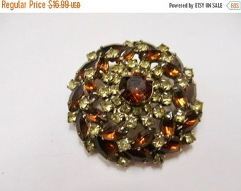 On Sale Vintage Prong Set Yellow and Golden Brown Rhinestone Pin Item K # 1829