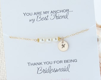 Bridesmaid Personalized Gift, Initial & Pearl Bracelet, Initial Charm Bracelet, Personalized Pearl Bracelet, Wedding Jewelry Gift from Bride