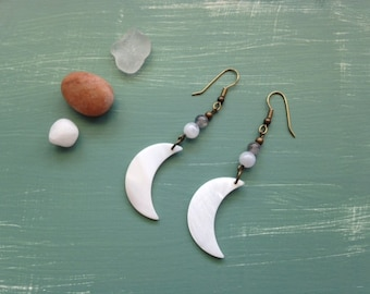 Mother of pearl shell moon dangle earrings with moonstone and labradorite, boho style, gypsy earrings, gemstone earrings, moons,