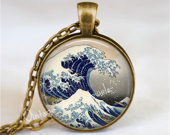 GREAT WAVE Pendant Necklace Glass Vintage Japanese Woodblock Print Ukiyo-e Great Wave off Kanagawa Photo Art Jewelry Tsunami
