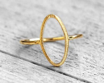 HOLLOW Ovalit ring with an oval circle | gold