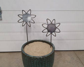 Sunflower garden stake (small)