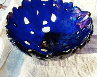 Deep blue rainbow intertwined fused glass bowl