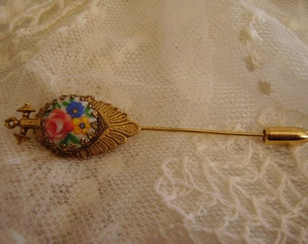 Vintage Stick/Hat/Coat  Pin