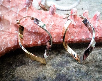 14kt Yellow and White Gold Swirl Hoop Earrings A379