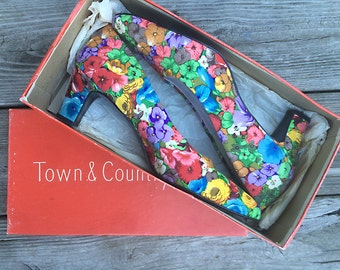 Vintage heels | New old stock floral Town & Country pumps, in box, size 9.5 AAAA NARROW width
