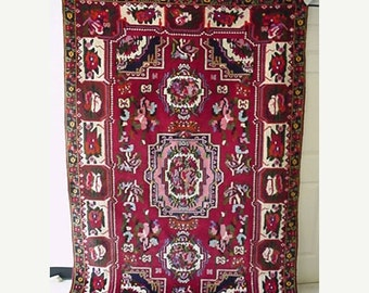 YEAR END CLEARANCE 1980s Hand-Knotted Bakhtiari Persian Rug (1839)