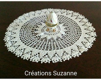 Round lace doily white Dragees