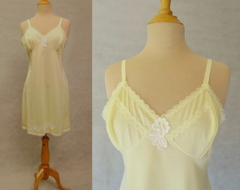 Yellow Slip With Appliques - 1960s