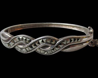 Vintage 1980's Braided Sterling Silver & Pyramid Cut Marcasite Hinged Bangle Bracelet