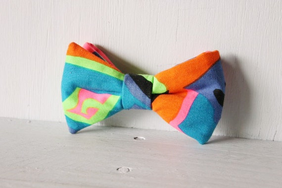 Dog bow tie >> Fluro multi-colour bow with elastic >> Pet gift