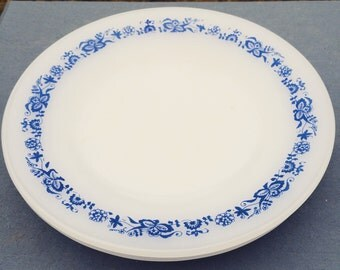 Vintage Termo-Rey Dessert Plates