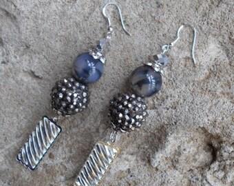 Handmade dangle dragon vein earrings