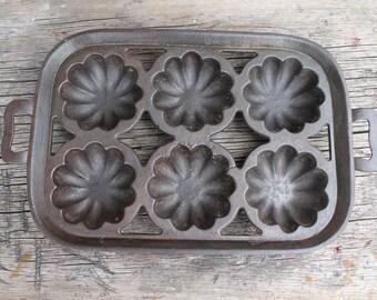 Cast Iron Muffin Pan, Antique Bakeware, Rustic Kitchen Decor, Vintage Baking, Farmhouse Kitchen Decoration, Antique Cast Iron Cookware,
