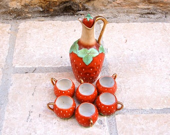 Strawberry liqueur service