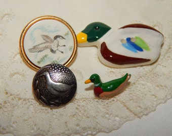 Ducks - Realistic and Round Vintage Buttons 4