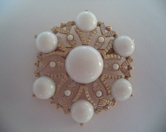 Vintage Unsigned Goldtone/Milky White Stones Snowflake Brooch/Pin