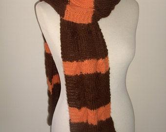 Echarpe marron et orange, tricotée main, en mohair et angora