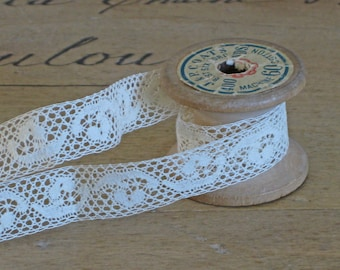 Vintage lace trim - French net lace - narrow ecru lace by the metre - 1/2 inch wide