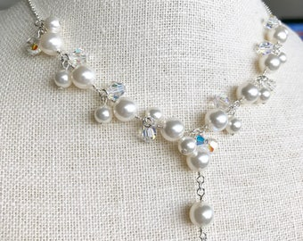 Pearl necklace with crystal NL201709