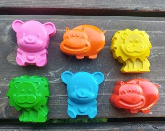 Zoo Animal Crayons set of 12 - Lion Crayons - Hippo Crayons - Bear Crayons - Zoo Party Favors
