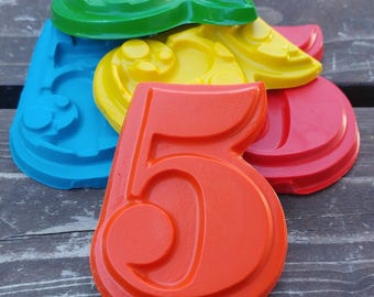 Number 5 Crayons set of 40 - 5th Birthday Party Favors - 5th Birthday - Fifth Birthday Party - Party Favors - Crayons