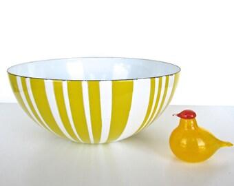 "Vintage Cathrineholm Striped Enamel Bowl, 9.5"" Danish Modern Enamelware Bowl, Yellow And White Enamel Bowl"